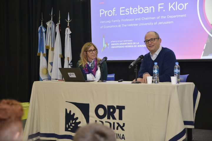 Visita del profesor Esteban Klor