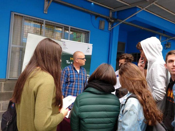 Promoviendo estudios en Jerusalem
