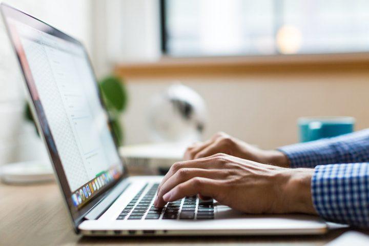 Compañero de escritura con tecnología de inteligencia artificial