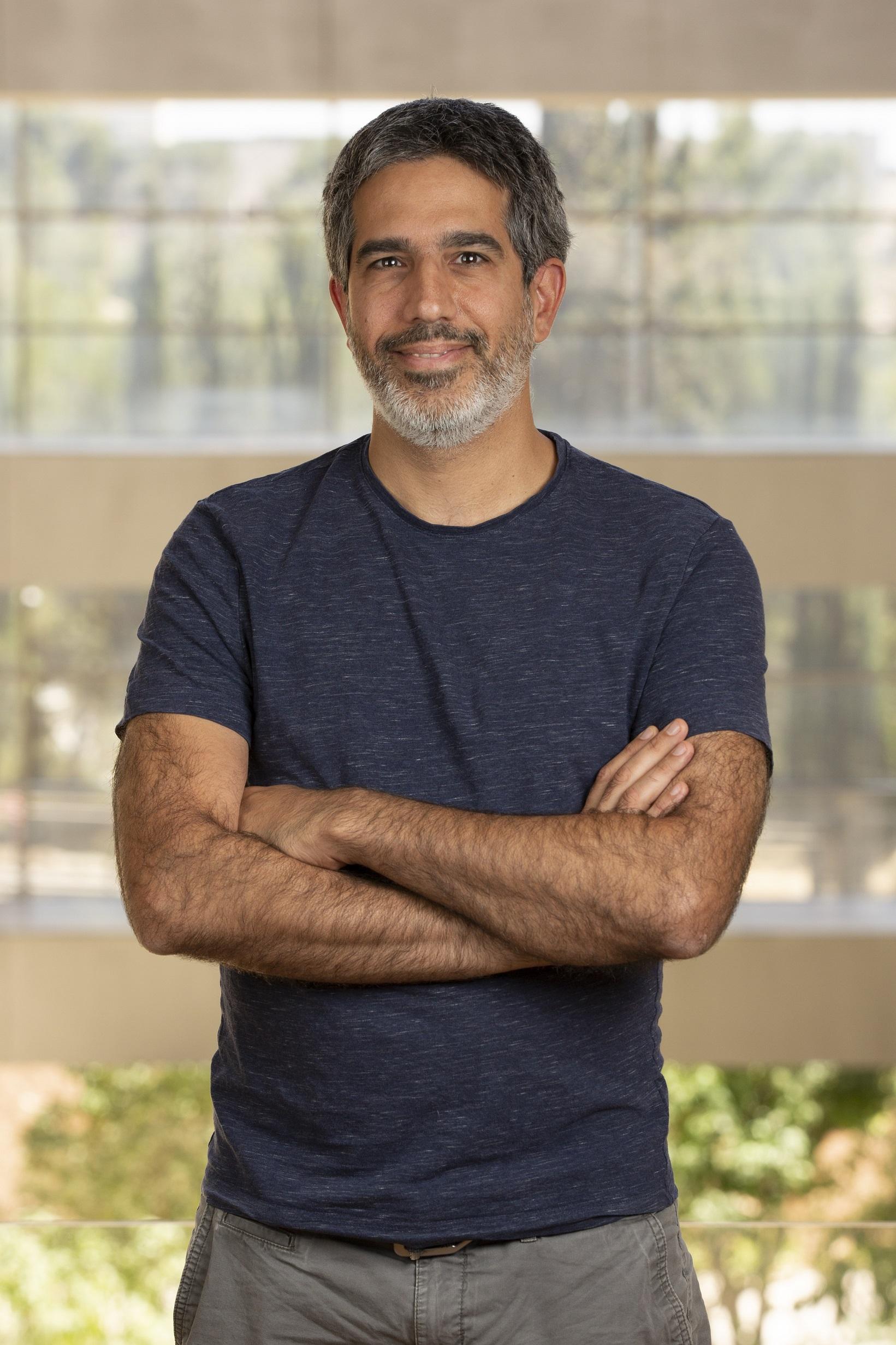 Prof. Aviv Mezer